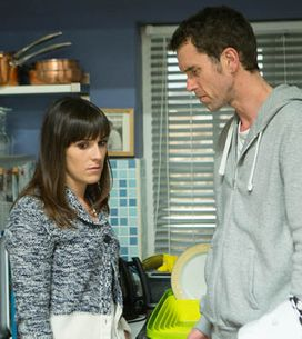 Emmerdale 10/07 – Marlon discovers Donna's secret
