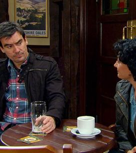 Emmerdale 11/07 – Marlon is in agony over Donna's illness