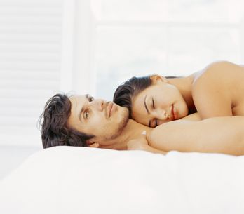 Relatie: naakt in bed, het geheim tot het geluk?