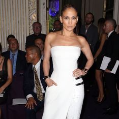 Jennifer Lopez au défilé Versace : Zoom sur son look
