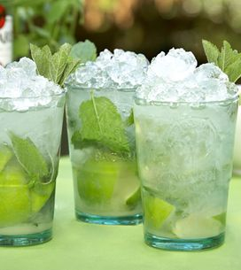 How To Make A BACARDÍ Mojito In 4 Easy Steps