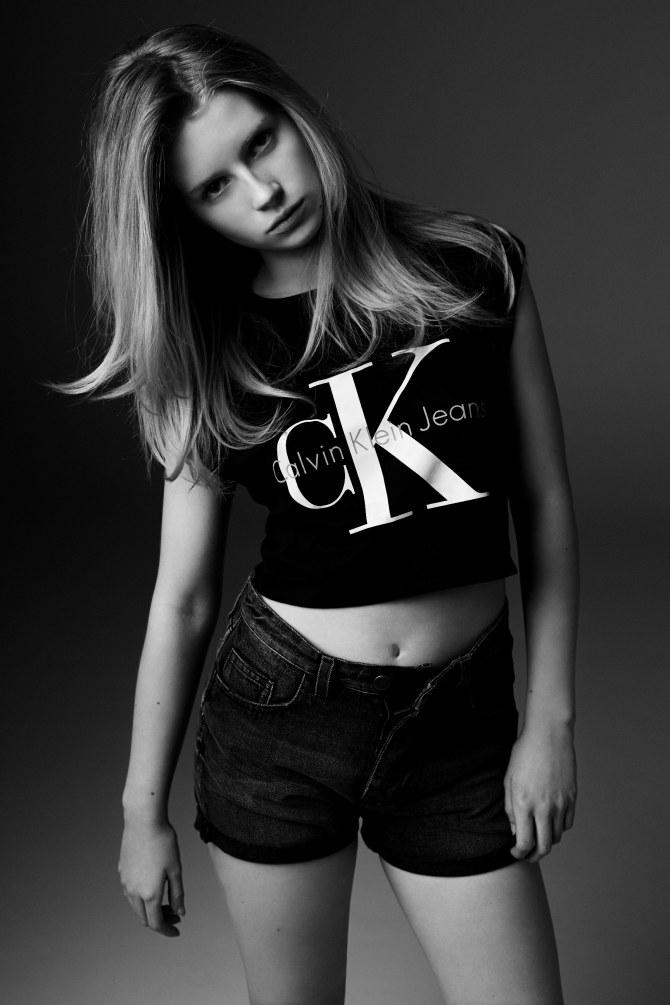 Lottie Moss para Calvin Klein y Mytheresa