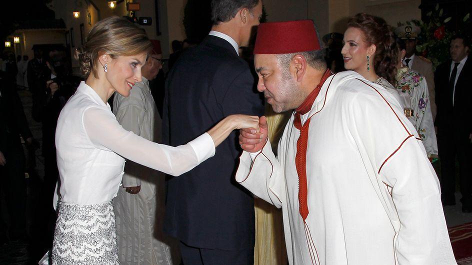 """De """"oficinista"""" a Reina, los looks de Letizia durante su viaje a Marruecos"""