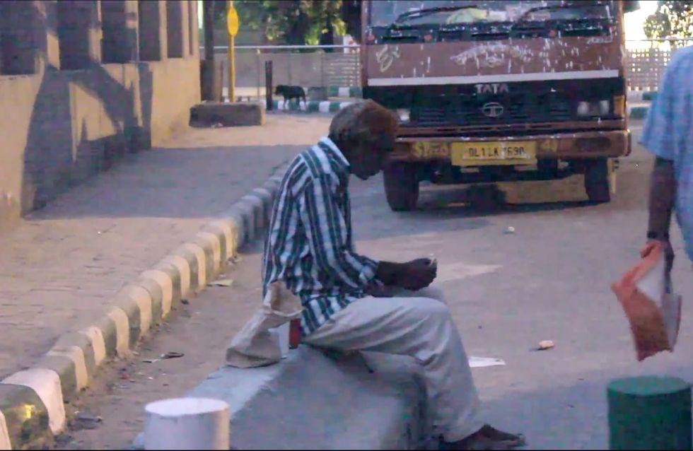 Auch wer nichts hat, kann viel geben: Das große Herz dieses Obdachlosen macht uns sprachlos!