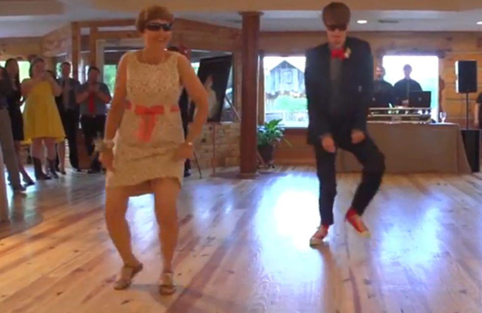 Großartig! Dieser Bräutigam und seine Mutter überraschen alle mit ihrem Hochzeitstanz!