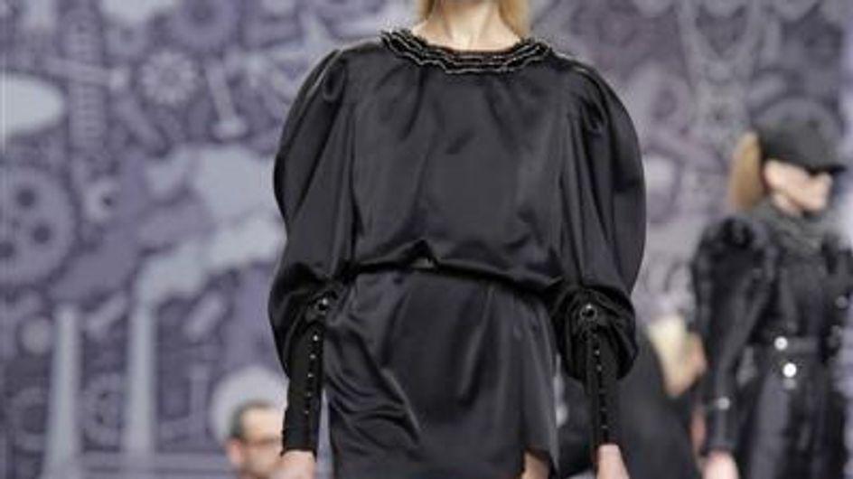 Paris Fashion Week A/W 10: Viktor & Rolf catwalk report