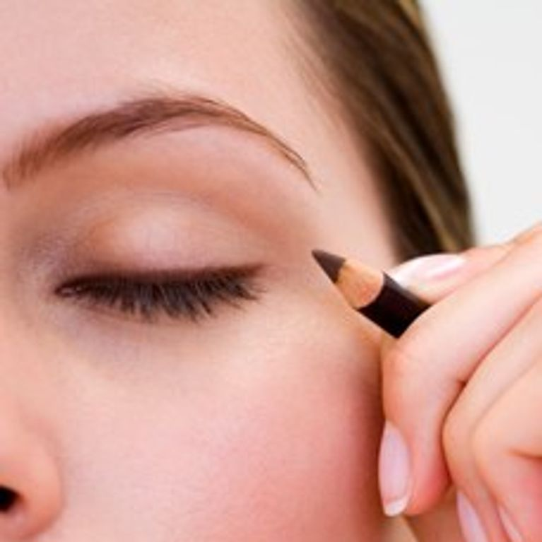 Image result for applying eyeliner pictures