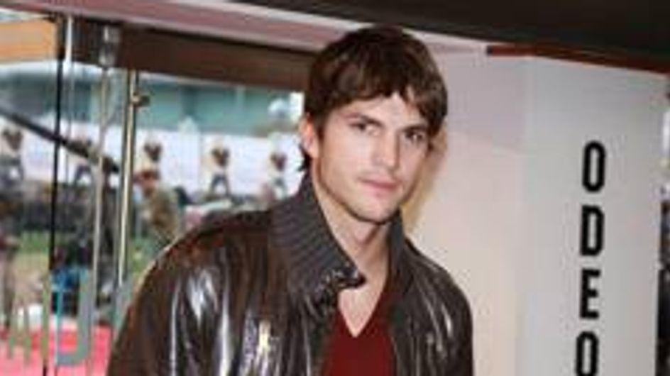 Ashton Kutcher nude and proud