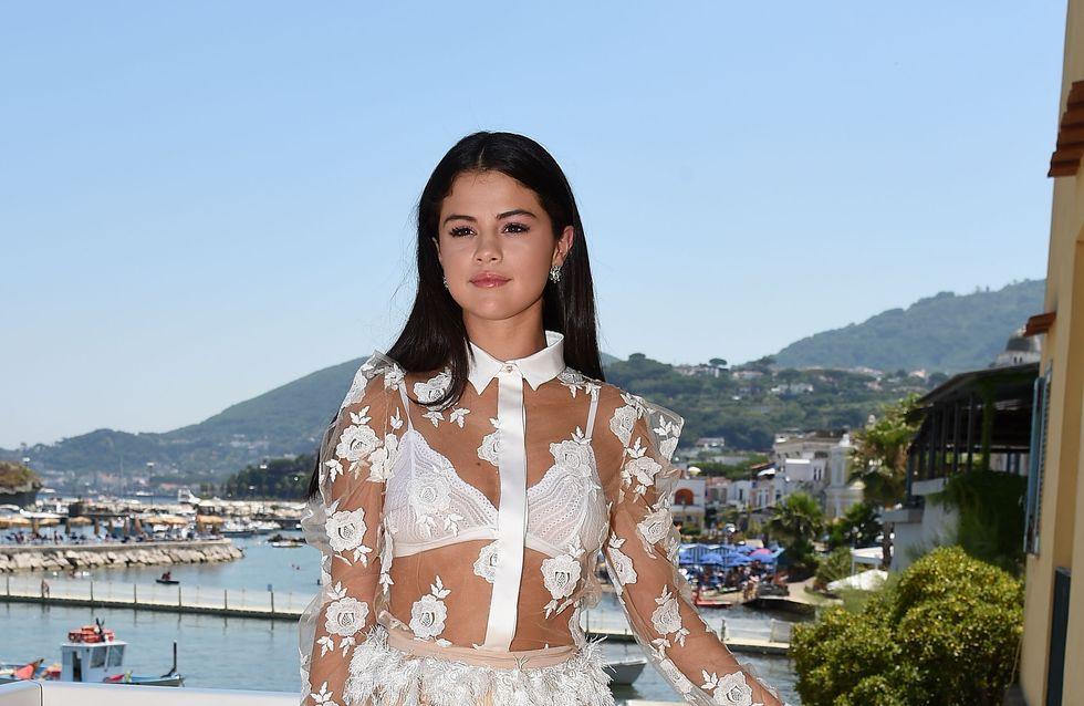 Selena Gomez : Robe transparente et soutien-gorge apparent (Photo)