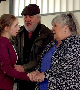 Emmerdale 01/08 – Moira tries to show Adam the horror of drugs