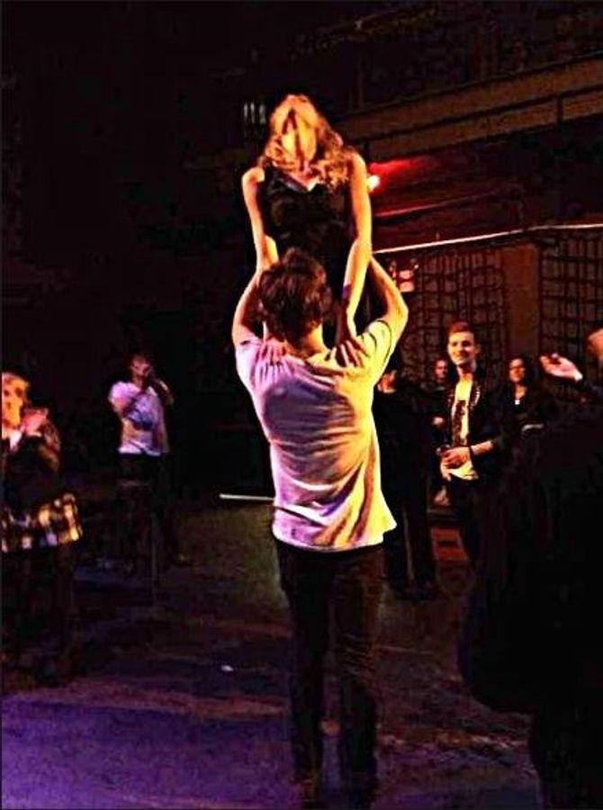 Harry Styles Taylor Swift lift