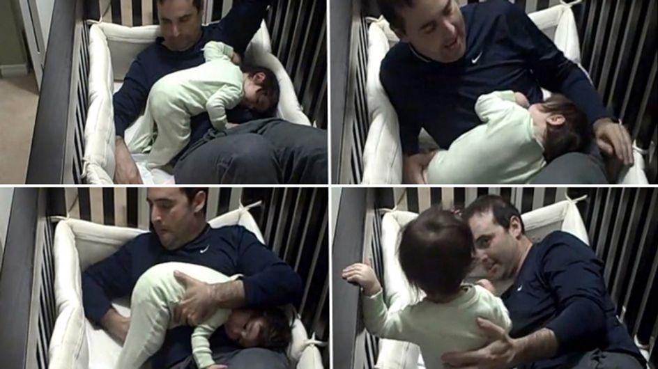 Video/ Papà... senza te non posso stare (né dormire)!