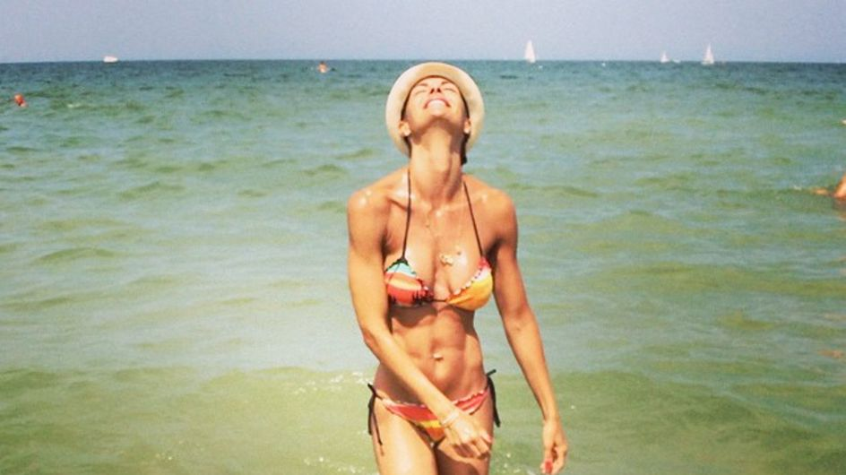 Colombari pubblica foto in bikini e i fan la accusano di essere troppo magra! Ecco la sua reazione