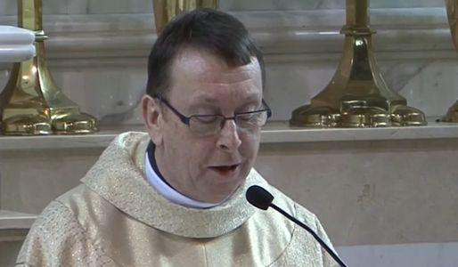 Ksiądz Ray Kelly