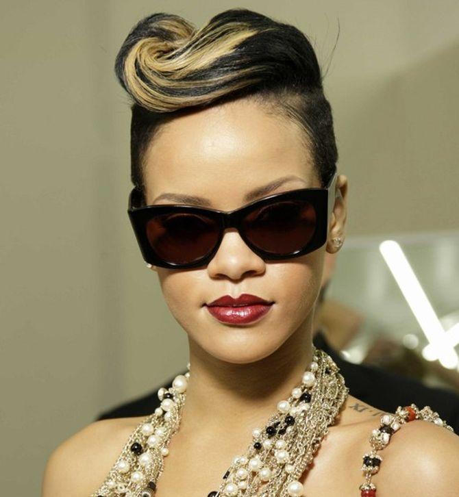 Rihanna defile Sipa