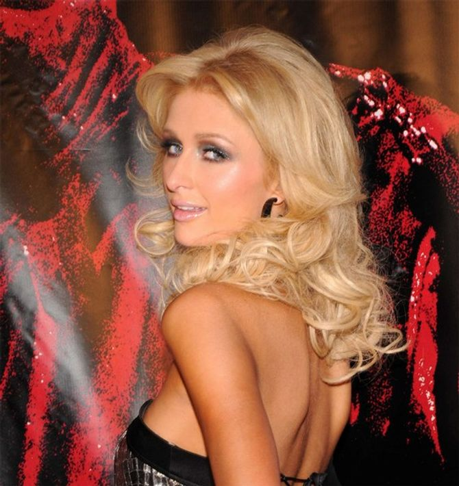 paris hilton sipa