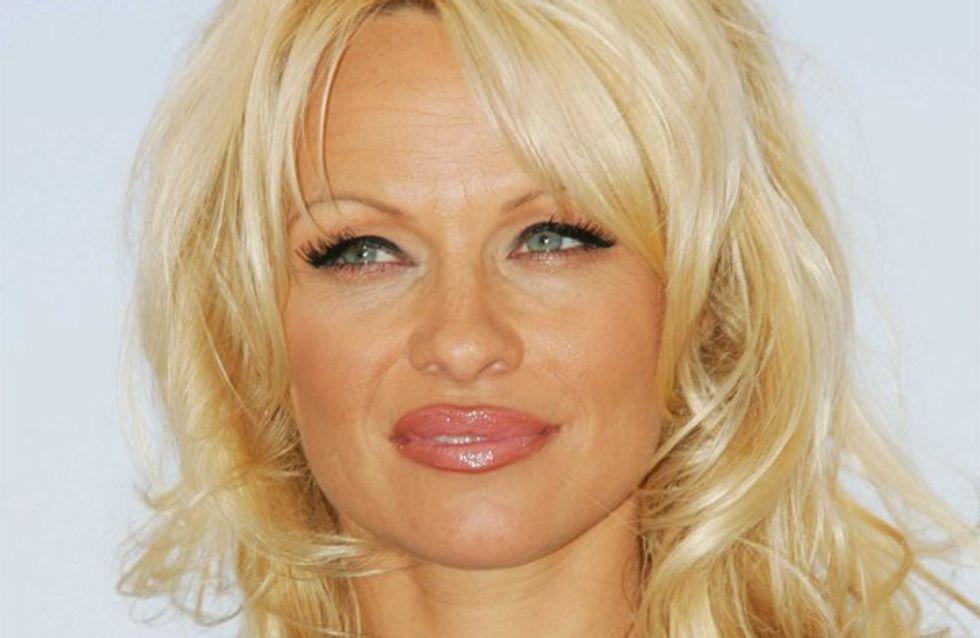Pamela Anderson : nue sur le tournage d'un clip de David Guetta !