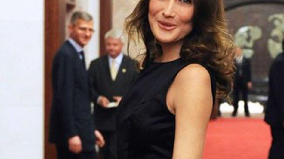 Carla Bruni : son défilé glamour en Chine !