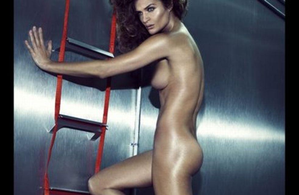 La superbe Helena Christensen se dénude pour Reebok !