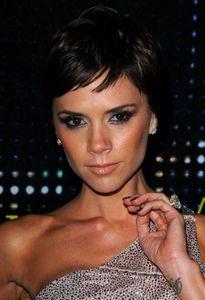 """Victoria Beckham élue """"star la plus glamour du monde"""""""