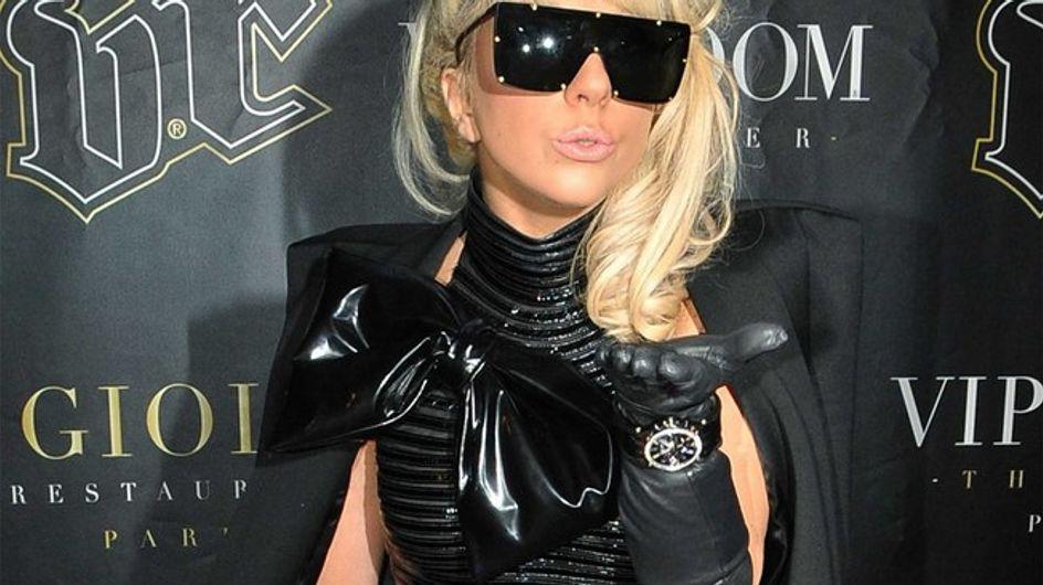 "Lady Gaga chante live son nouveau titre ""Alejandro"" !"