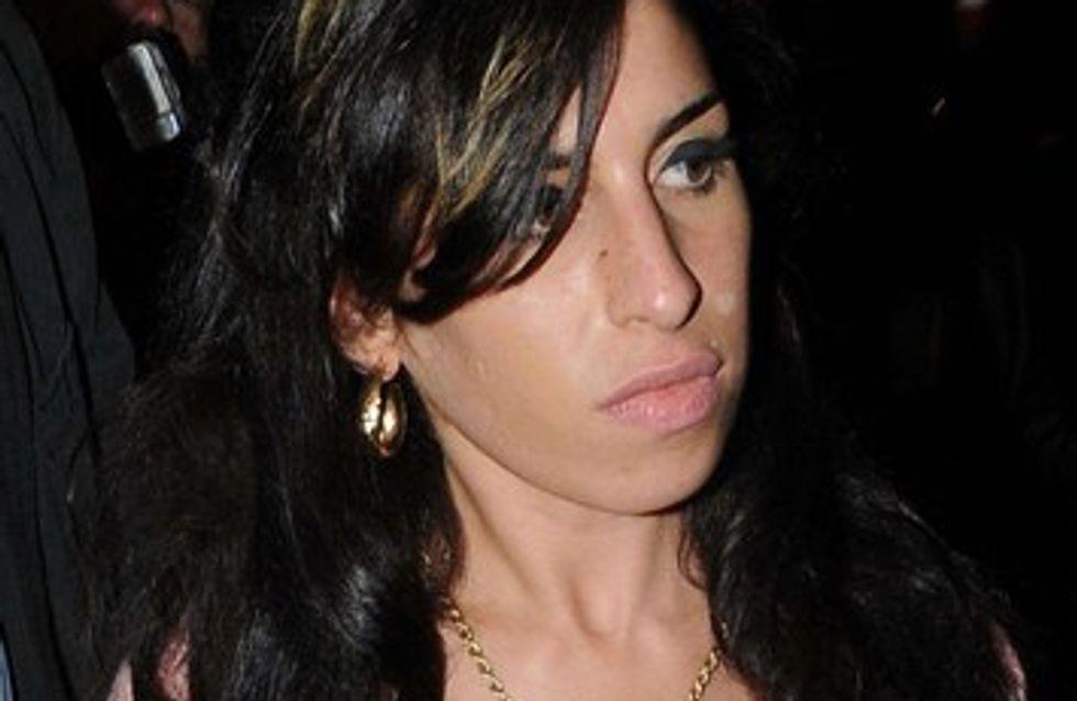 Amy Winehouse : elle lâche la bouteille pour son jules