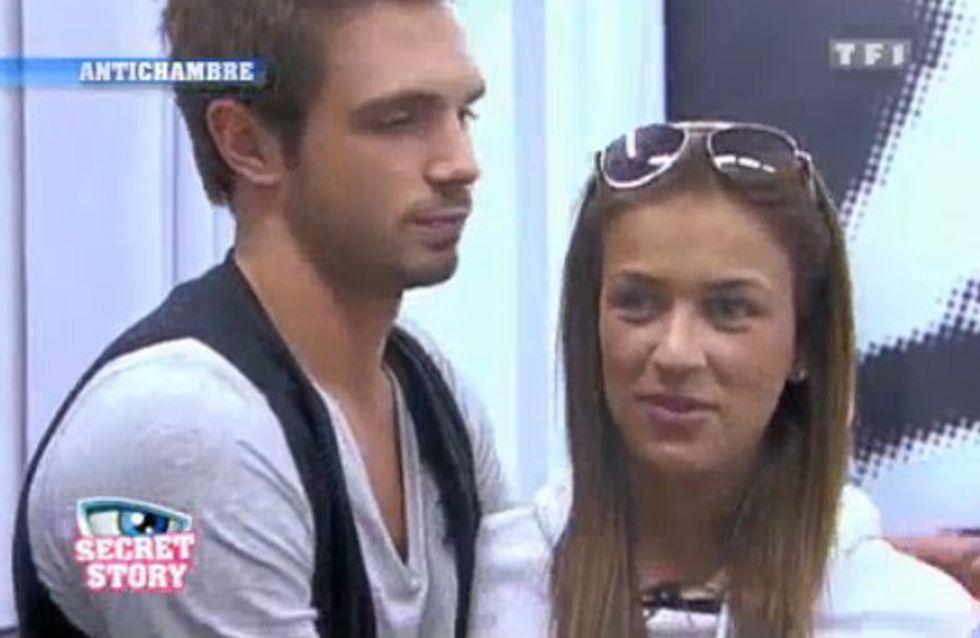 Secret Story : Julie et Maxime très complices dans l'anti-chambre