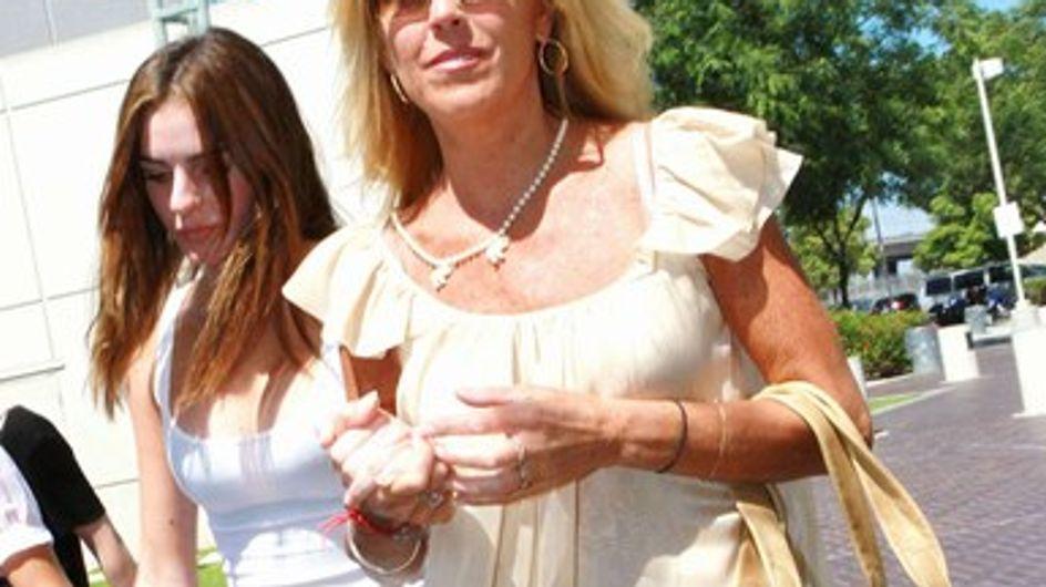"""La mère de Lindsay Lohan : """"Elle est entre de bonnes mains"""""""