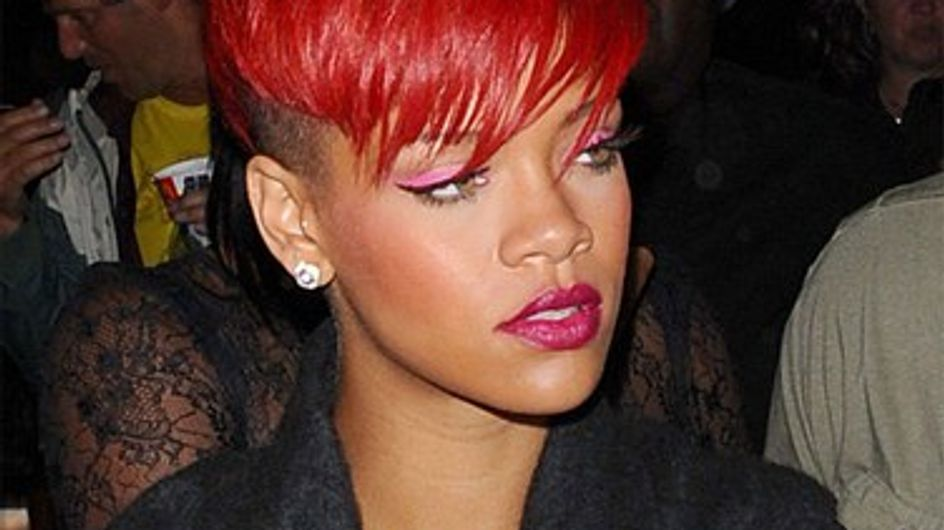 Vidéo : Rihanna girly et dark pour Who's That Chick !