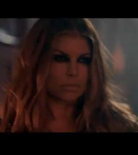 Fergie sexy dans son clip avec Slash des Guns N'Roses