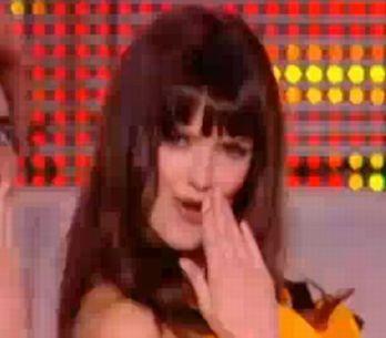 Vidéo : Charlotte Le Bon danse pour Rihanna