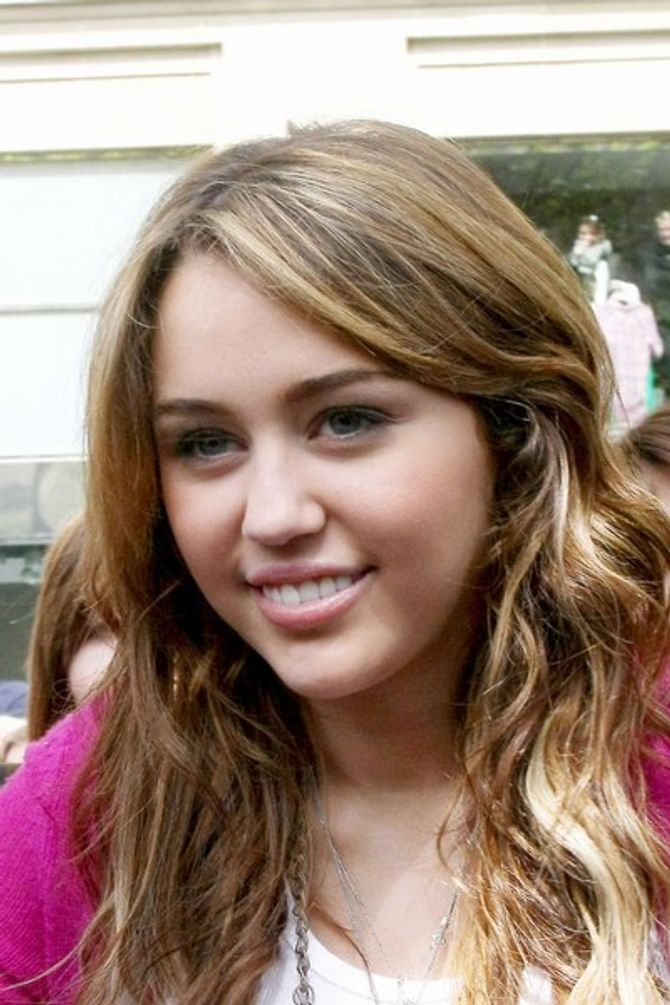 Miley Cyrus OK