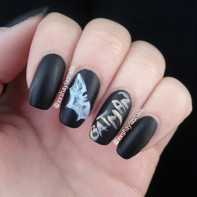 Chalk Manicure