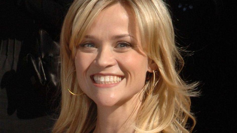 Reese Witherspoon : son secret pour rentrer dans sa robe de mariée