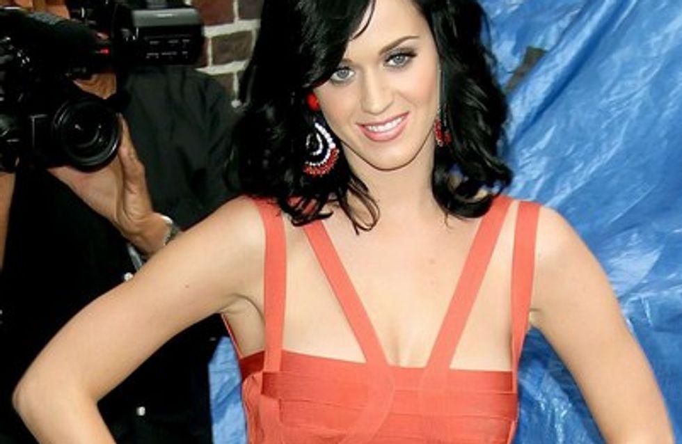 Katy Perry : découvrez la pochette de son nouveau single E.T. !