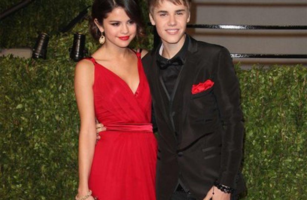 Vidéo : Justin Bieber embrasse Selena Gomez