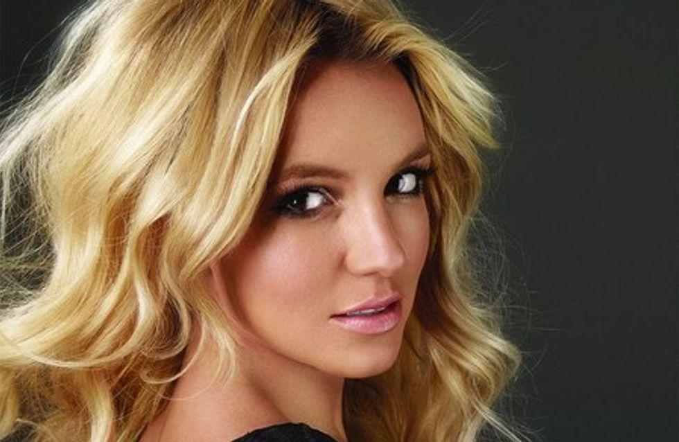 Britney Spears : encore un extrait de Femme Fatale avec Seal It With a Kiss