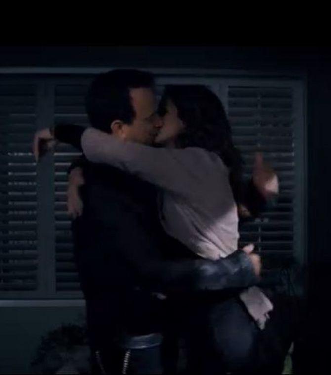 julia roberts et tom hanks s embrassent langoureusement