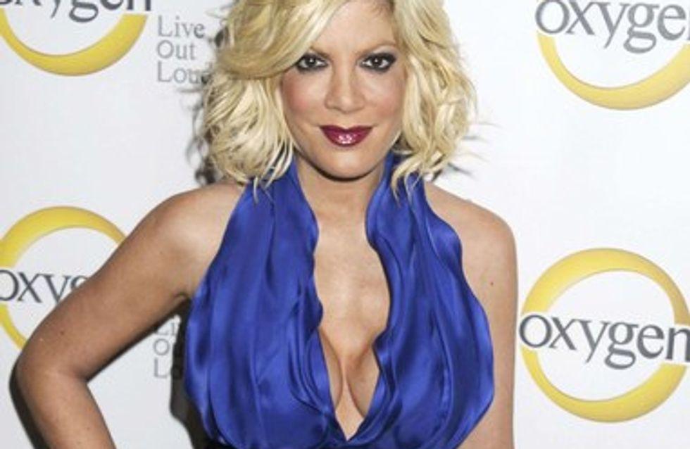 Photo : Tori Spelling affole le net avec ses seins