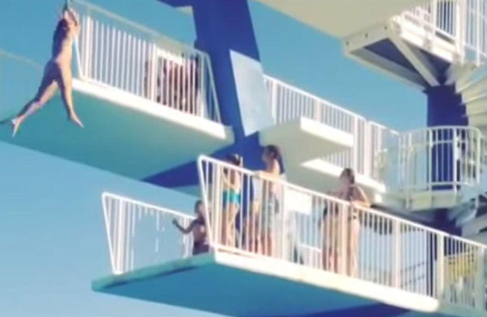 Diese Frau will im Freibad vom Turm springen - und dann passiert der absolute Horrror!