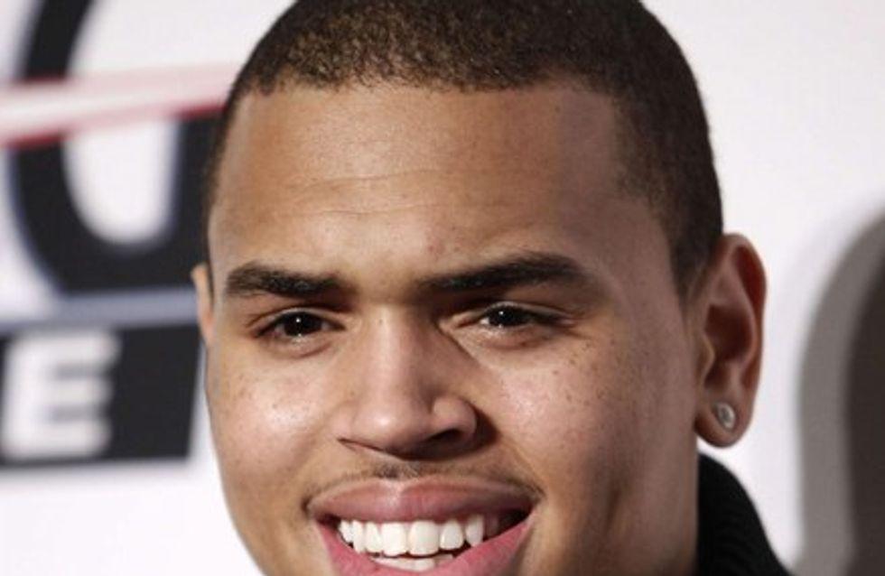 Vidéo : Chris Brown drague une fan !