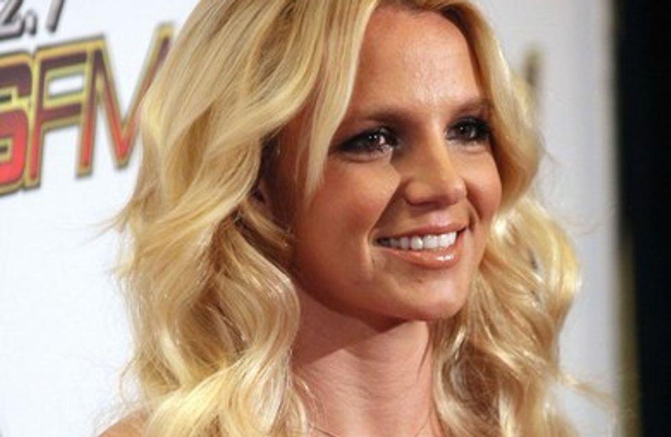 Britney Spears offre une lap dance à son boyfriend devant ses enfants
