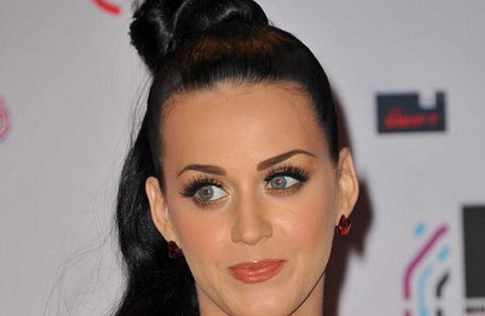 Katy Perry : son mari vu avec une brune au bord d'une piscine !
