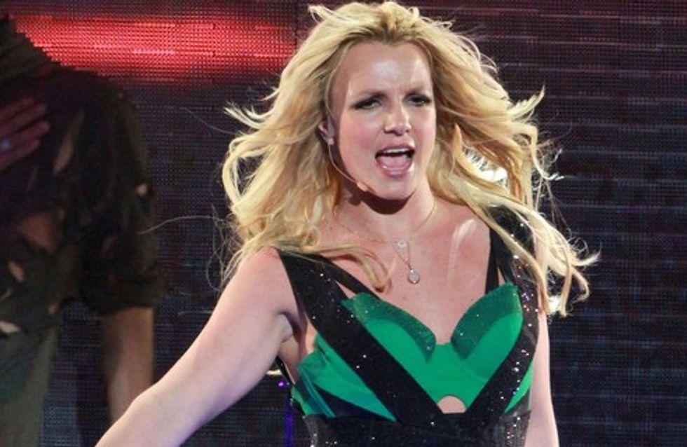 Britney Spears sexy pour annoncer son Femme Fatal Tour sud-américain