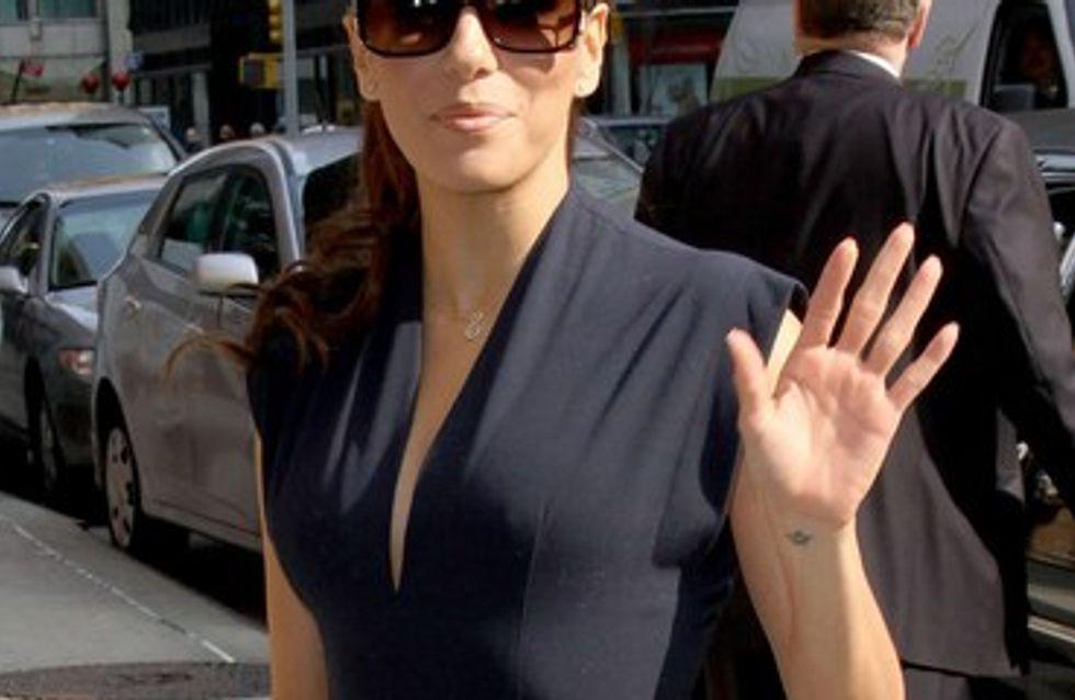 Eva Longoria : elle s'entraîne à être maman...