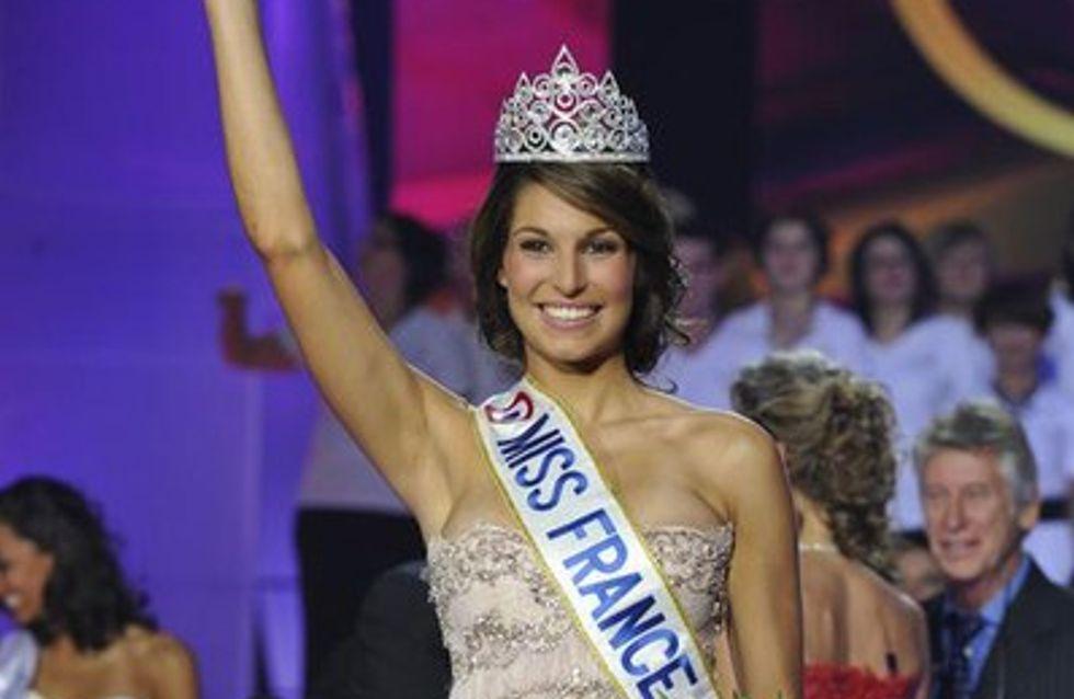 Laury Thilleman en campagne pour le concours de Miss Univers