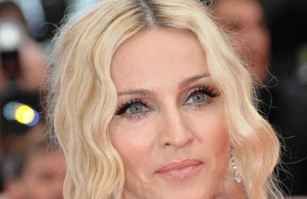 Photos : Madonna en string, topless et sans maquillage !