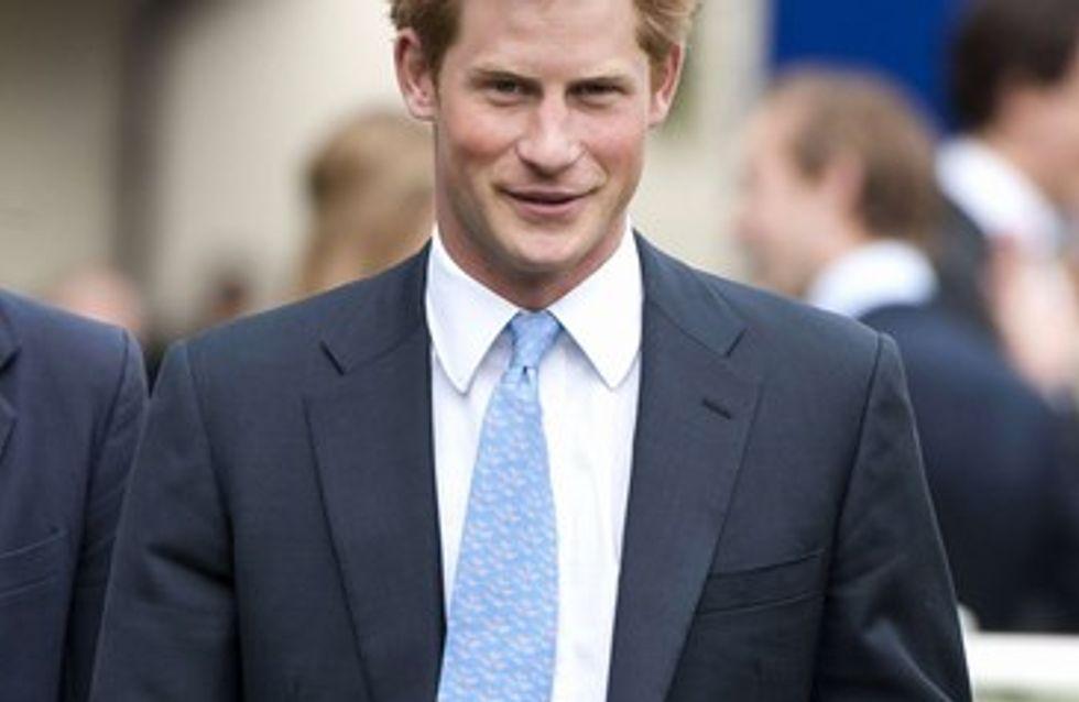 Le Prince Harry : sa nouvelle conquête est serveuse !