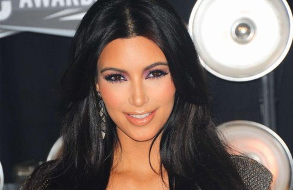 Kim Kardashian attaquée en justice à cause de ses poils