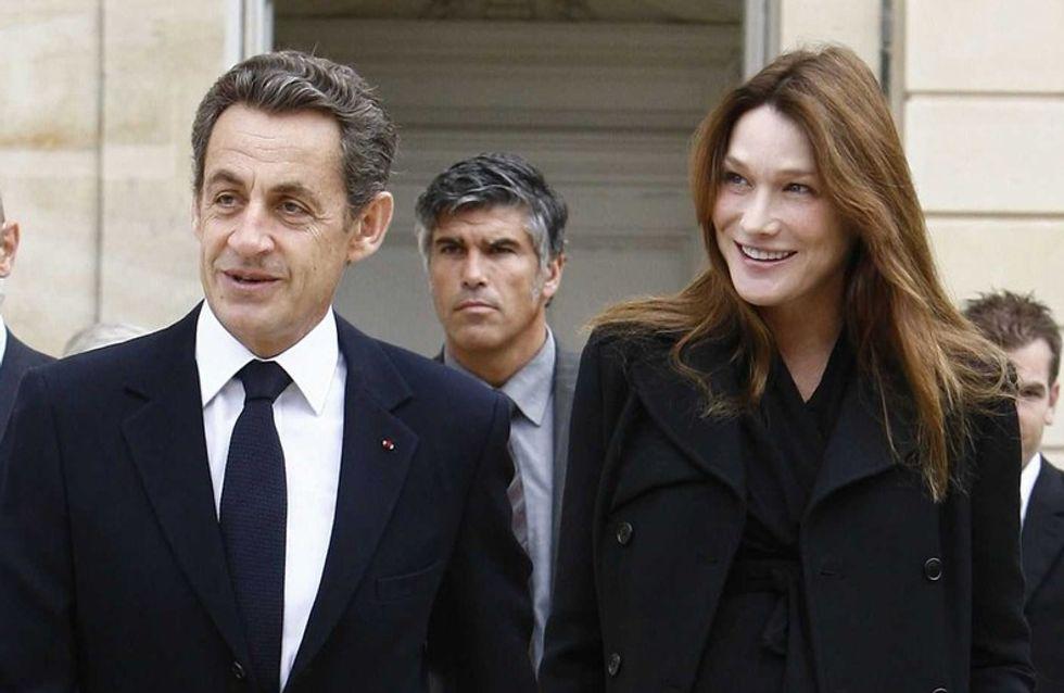 Carla Bruni-Sarkozy allaite la petite Giulia Sarkozy